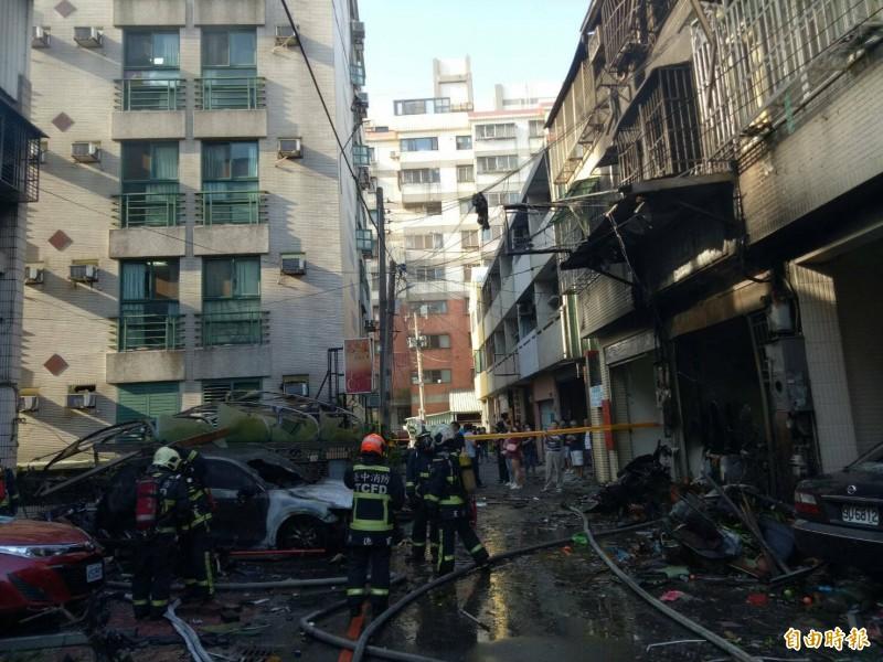 東海商圈氣爆,遭波及的新興路59巷12號,房東先生被燒死。(記者張軒哲攝)