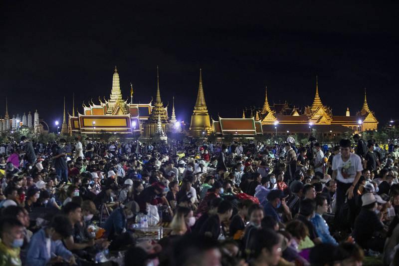 泰國學運示威再現高潮 2萬人高喊政府下台