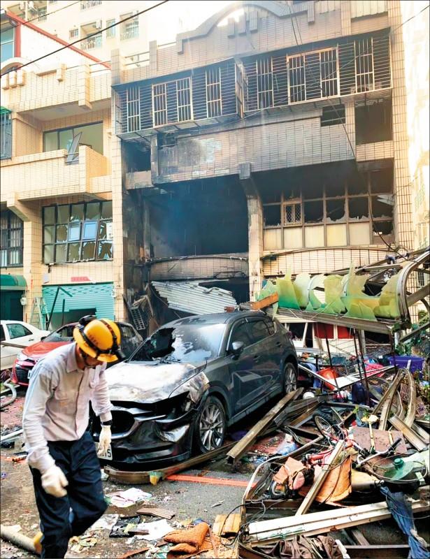 氣爆4死/火球飛12米炸對街 住戶以為是飛彈