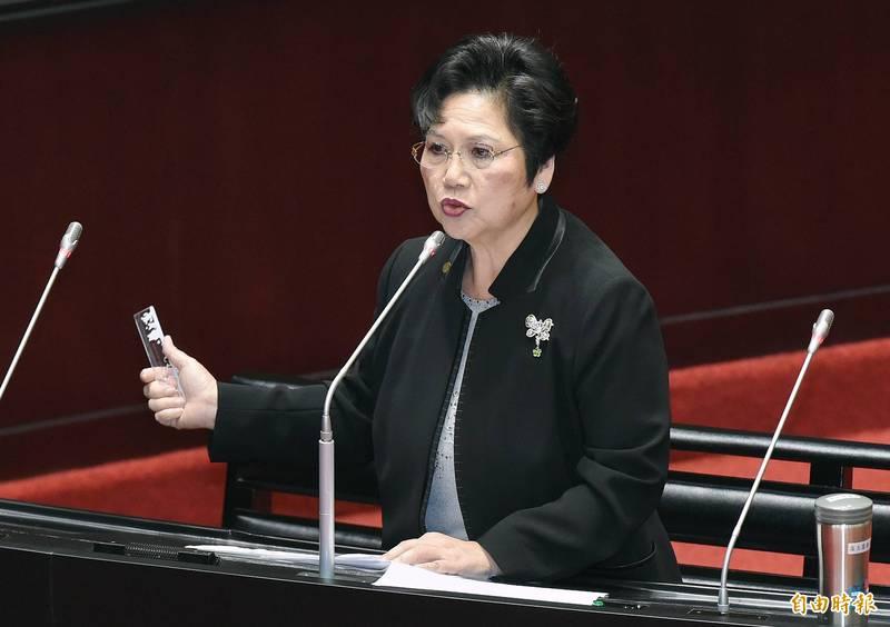 國民黨立委溫玉霞與其配偶、前立委吳松柏共申報4輛汽車,其中有2輛保時捷、1輛勞斯萊斯。(資料照)