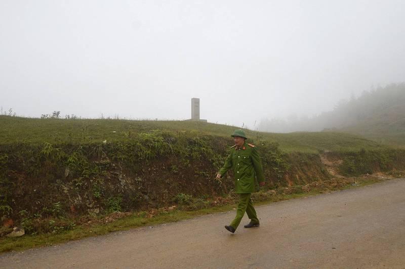 光是上週二至週五短短四天,在越南河江省就發現有107名在中國工作的越南移工從中國非法越境到越南。圖為中越邊境河江省照片。(法新社)