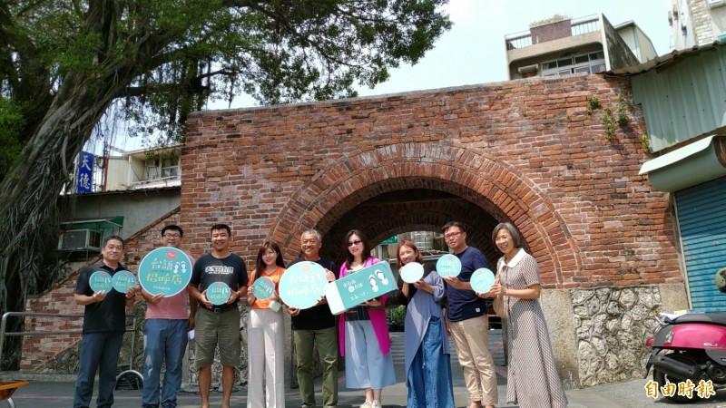 台南歷史街區信義成立「台語招呼店」,希望藉由日常生活的服務,讓台語成為台南文化的溫暖風景。(記者蔡文居攝)