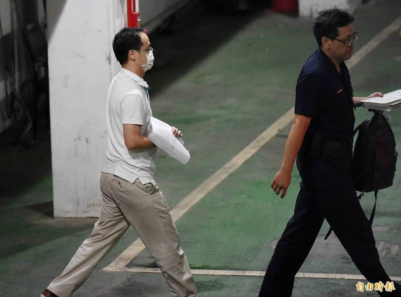 立委陳超明辦公室主任梁文一(左)。(資料照)