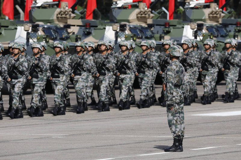 中國政府被爆將在國慶後進入戰時動員,引發中國網友討論。(彭博檔案照)