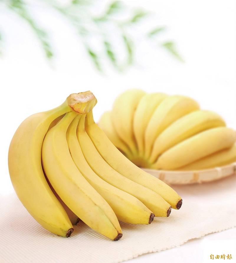 網傳香蕉能破壞武漢肺炎病毒的組織,經查證後發現是「錯誤訊息」。(資料照)