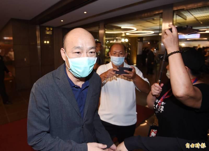 前高雄市長韓國瑜(圖左)不斷遭爆料有意參選2022年台北市長。(資料照)