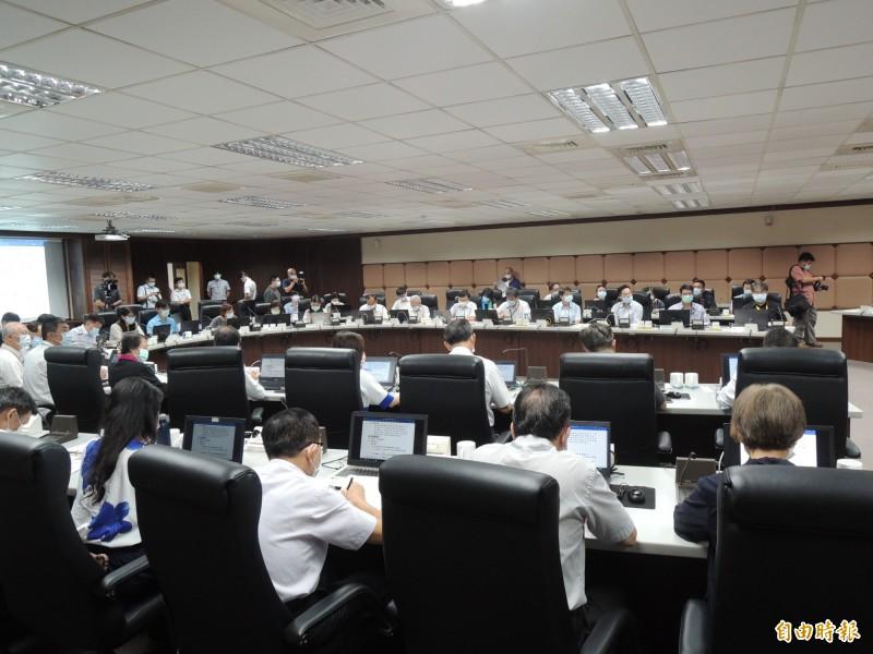 陳其邁今主持市政會議,提醒相關單位對民生議題的處置效率應加快。(記者王榮祥攝)