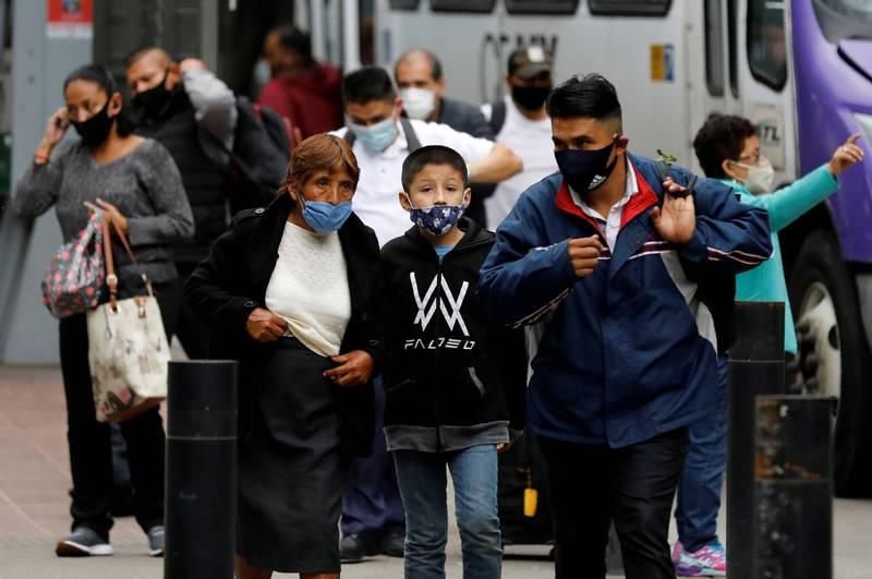 儘管近2個月的感染人數出現下降趨勢,但墨西哥的累計確診病例仍突破70萬例。(路透)
