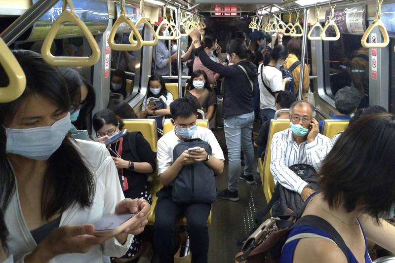 《CNN》大讚台灣防疫有成,武漢肺炎在全球大流行時,台灣仍能維持日常生活。(美聯社資料照)
