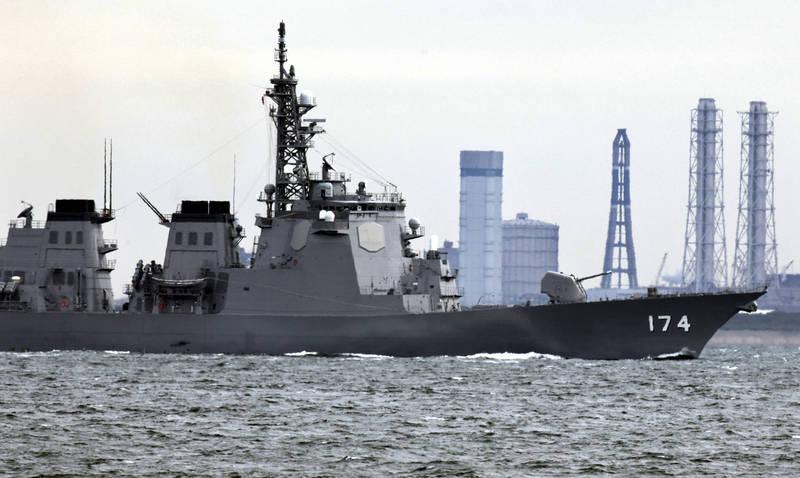 由於日本在今年6月放棄陸基神盾部署計畫,轉而提出其他的替代方案,不過美方的非正式意見指出把「陸基神盾」轉用在海上的實戰經驗不足,認為增建神盾艦的方案比較可行。圖為日本的神盾艦。(美聯社)