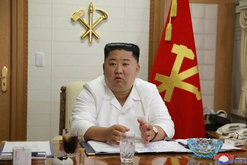 北韓領導人金正恩(見圖)鎖國防疫,不准外人進入北韓,1名南韓公務員漂流至北韓海域遭槍殺火化。(法新社檔案照)