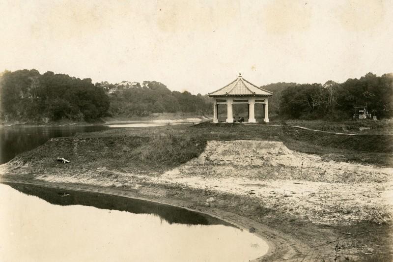 1933年拍攝之八角亭。(楊美蘭提供)