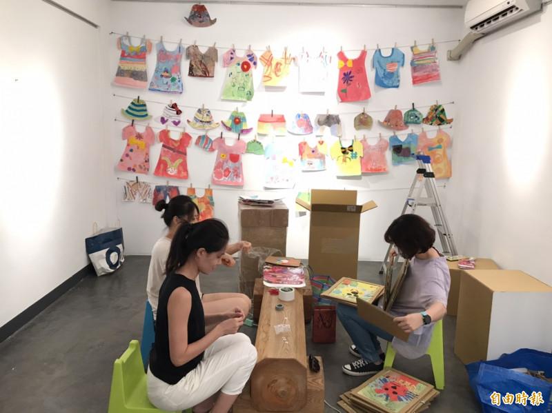恆春舉辦兒童聯展鼓勵小小藝術家。(記者蔡宗憲攝)