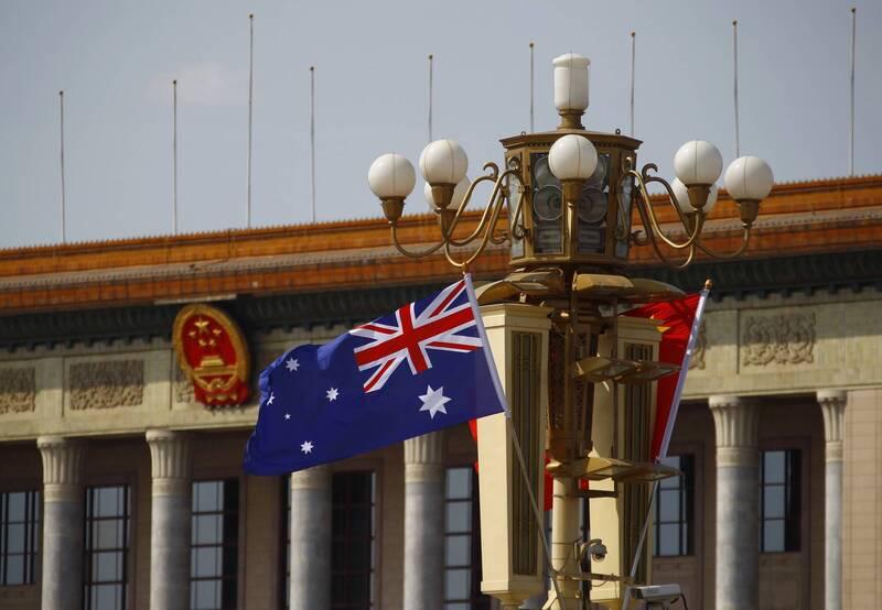 中國官媒《環球時報》今披露,澳洲學者漢密爾頓(Clive Hamilton)、澳洲戰略政策研究所(ASPI)研究員周安瀾(Alexander Joske)已被禁止入境中國。(路透)