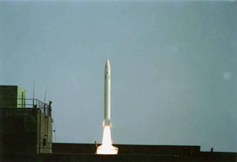 國軍部署地對地飛彈多年,外傳是以天弓二型飛彈研改而成。圖為天弓二型飛彈發射演練。(圖:擷取自中科院網站)