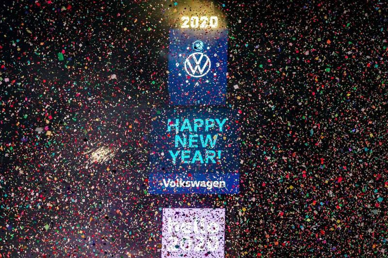 每年12月31日,位於紐約曼哈頓的時代廣場都會吸引全球無數旅客參加跨年活動。(路透資料照)