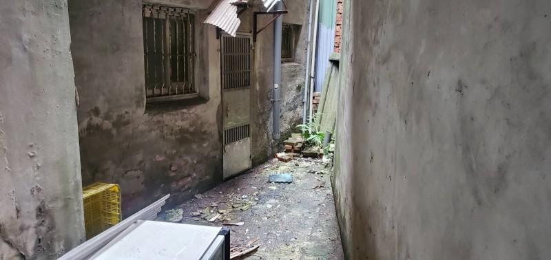 27歲烏姓女子今天上午被發現陳屍橫溪路住處後巷。(警方提供)