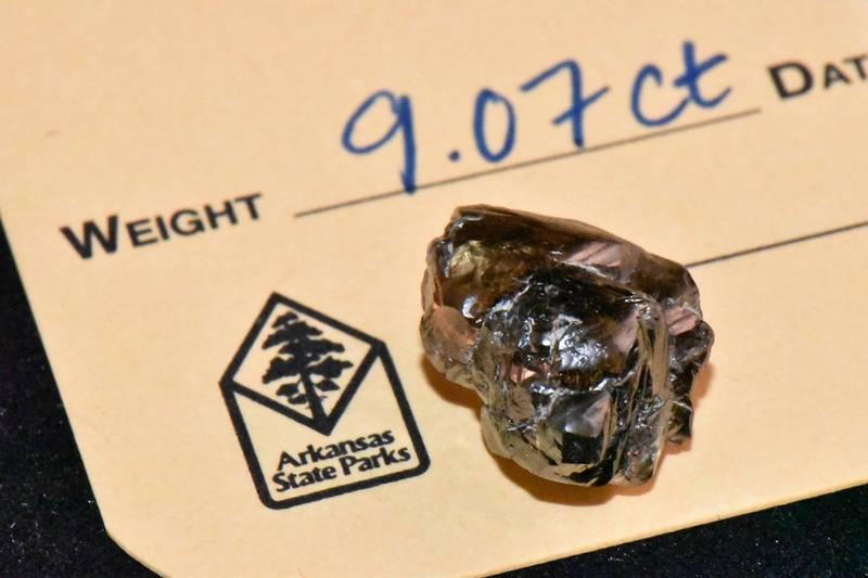 經過州立公園認證,鑽石達9.07克拉。(美聯社)