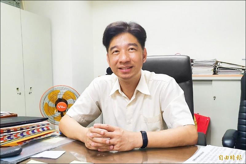 現任農委會企劃處處長蔡昇甫,即將於十月一日升為首任農田水利署署長。(記者簡惠茹攝)