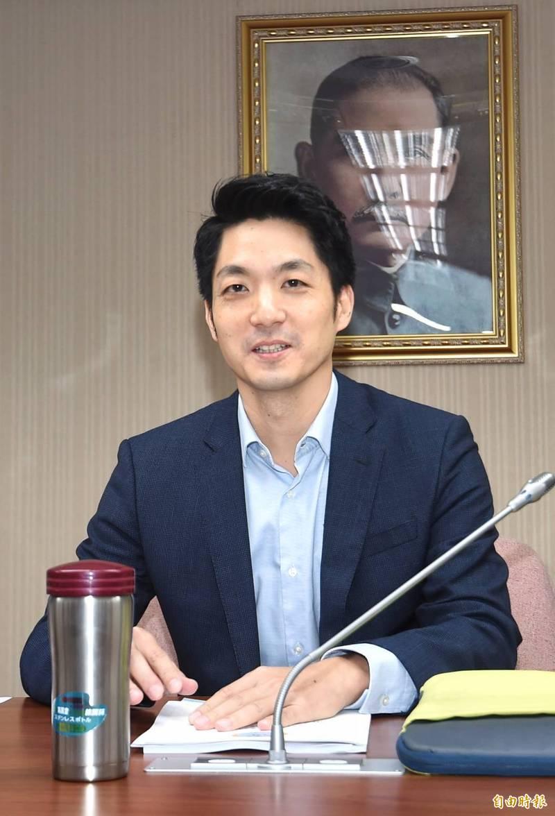 立委蔣萬安(圖)質疑美豬標準不尊重專家,衛福部長陳時中表示,將提供會議紀錄給立院。(記者方賓照攝)