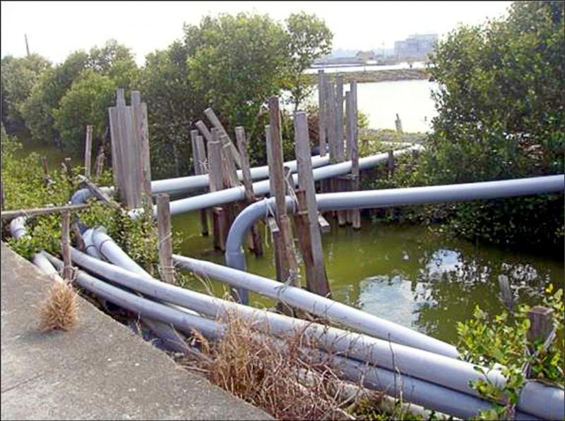 市府推動北溝排水整治工程,將一併收納養殖管線。(記者陳文嬋翻攝)