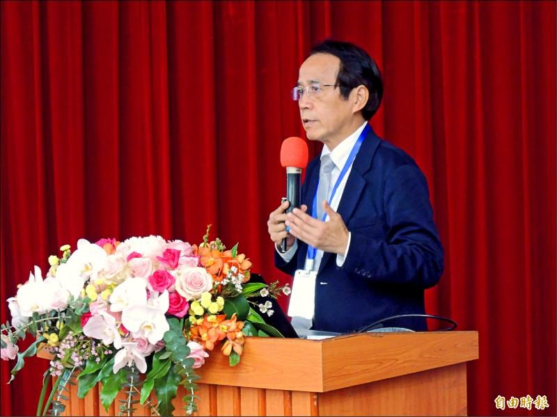 高市副市長林欽榮昨以高雄市政定位與未來發展主軸為題,闡述市府團隊對於建設高雄的諸多想法。(記者王榮祥攝)