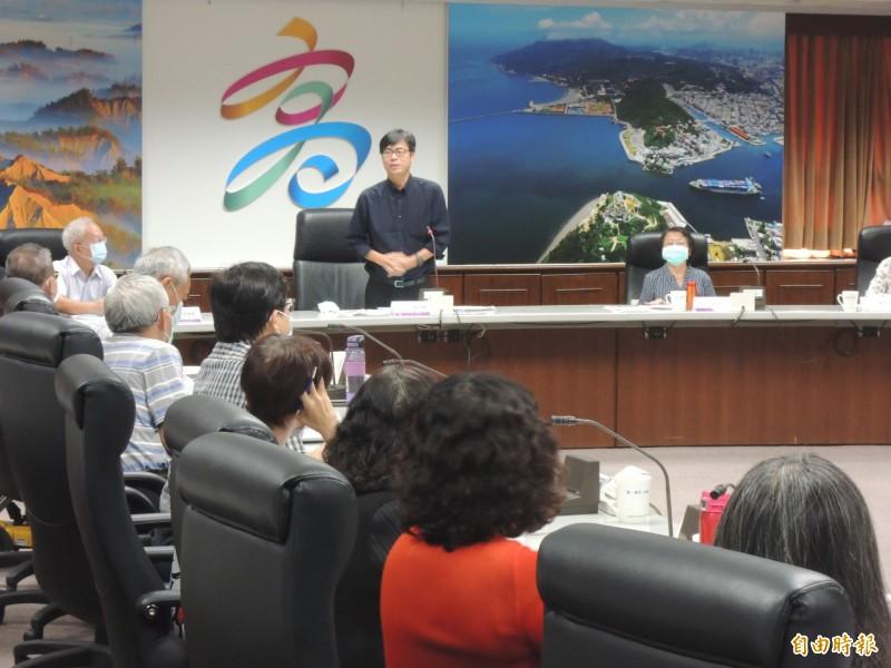 高雄市長陳其邁今在身障者權益保障會議中,拋出設置身障運動中心的構想。(記者王榮祥攝)