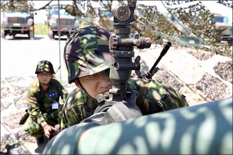 後備軍人投入聯合反登陸作戰操演。(取自陸軍司令部臉書)