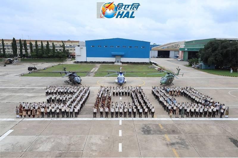 印度國有印度斯坦航空工業有限公司29日宣佈成功推出第300架北極星先進輕型直升機。(擷取自印度斯坦航空工業有限公司官網)