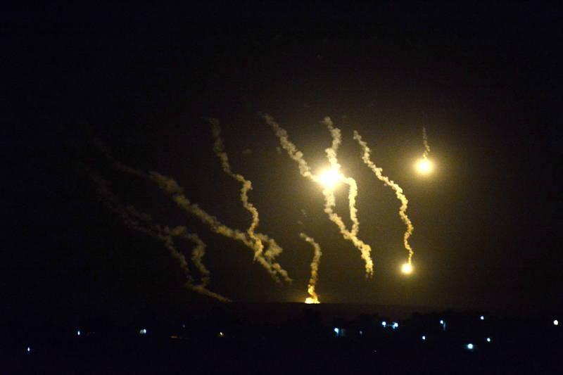 伊拉克艾比爾國際機場附近於週三傳出有人發射數枚火箭彈,美軍駐紮於當地的基地警鈴大響,不過目前尚未確定是哪一方遭受攻擊。圖為示意圖。(資料照)