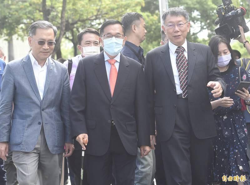 台北市設市100週年,台北市政府邀請歷任市長參加紀念特展,前總統陳水扁皆出席引發關注。(記者簡榮豐攝)
