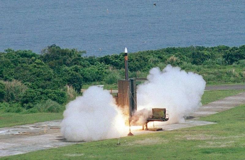 天弓三型飛彈以垂直發射架發射。(圖:取自中科院網站)