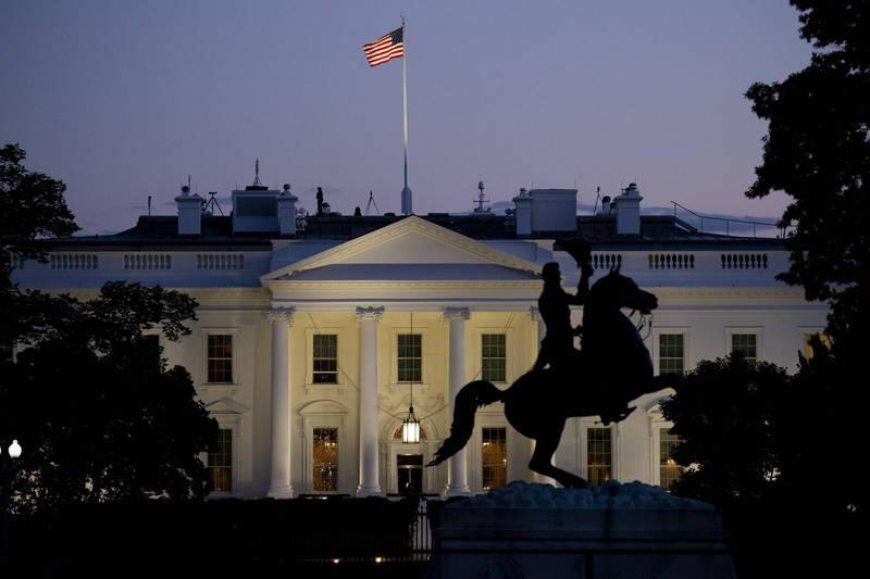 白宮一封致工作人員郵件要求員工配戴口罩,也呼籲若無必要,員工應減少至「白宮西翼辦公室(the West Wing)」。(歐新社)