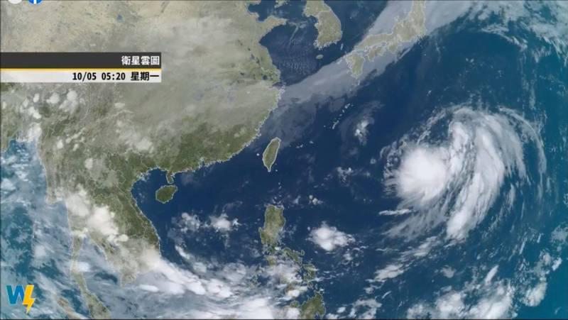 因東北風增強,今晨北部、東半部地區開始有持續性的短暫陣雨,預估東北風勢力將逐步往南推,並會有明顯降溫。(圖擷自氣象達人彭啟明臉書)