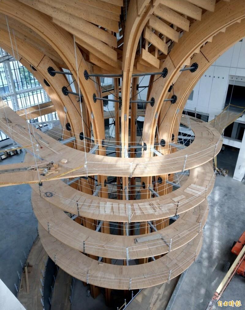 南投半山夢工廠打造的「生命樹」十分壯觀,也希望國片能像「生命樹」般愈來愈強。(資料照)