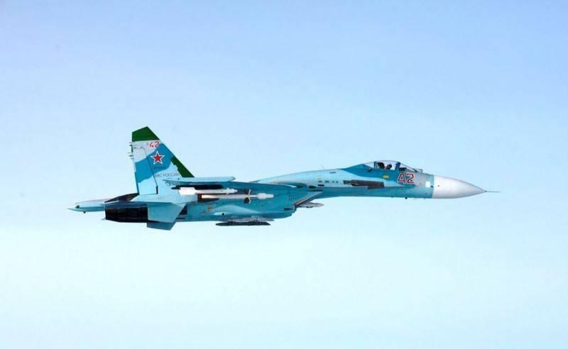 俄羅斯國防部6日指出,當天俄軍派出1架Su-27戰機在黑海攔截英國皇家空軍2架颱風戰機、1架RC-135偵察機與1架加油機,圖為俄國Su-27戰機。(路透)