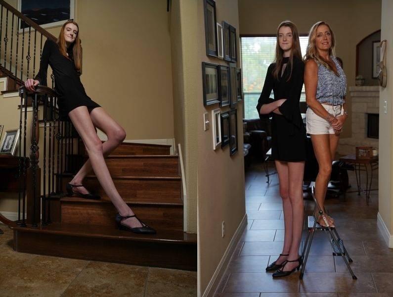 卡琳的媽媽有170公分,但是站在身高有208公分的卡琳身邊顯得相當嬌小。(圖翻攝自「金氏世界紀錄官網」)