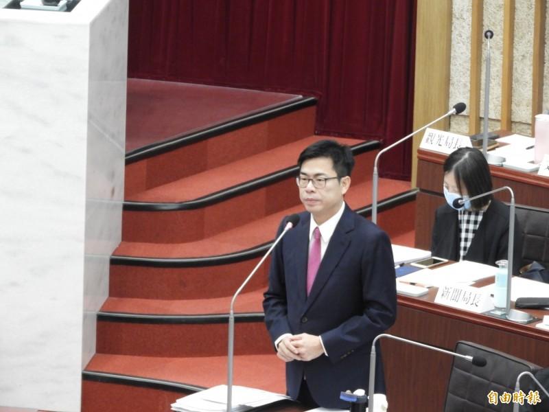 高雄輕軌二階要照原路線?市長陳其邁表示會提更優化交通方案,做客觀評估。(記者葛祐豪攝)