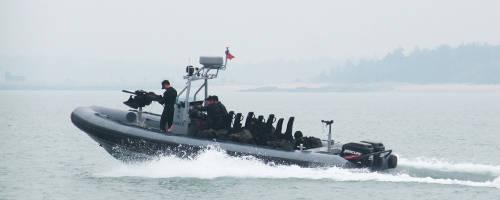 海軍籌建18艘特種作戰突擊艇,已由國際知名的台灣廠商罡旻公司得標,將依據海軍需求打造戰力更強大的突擊艇。圖為罡旻公司K85型突擊艇,海軍的新突擊艇則為新規格。(圖:擷取自罡旻公司網站)