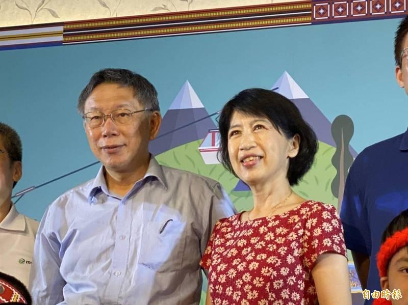 台北市長柯文哲夫人陳佩琪(圖右)暗諷林飛帆,應直接道歉承認自己因生計或選票考量,不得不換了位置就換腦袋。(資料照)