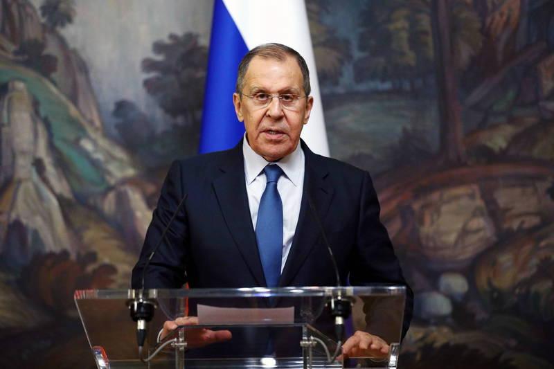 俄羅斯外交部長拉夫羅夫於今在新聞會上宣布,三方會談已順利落幕。(歐新社)