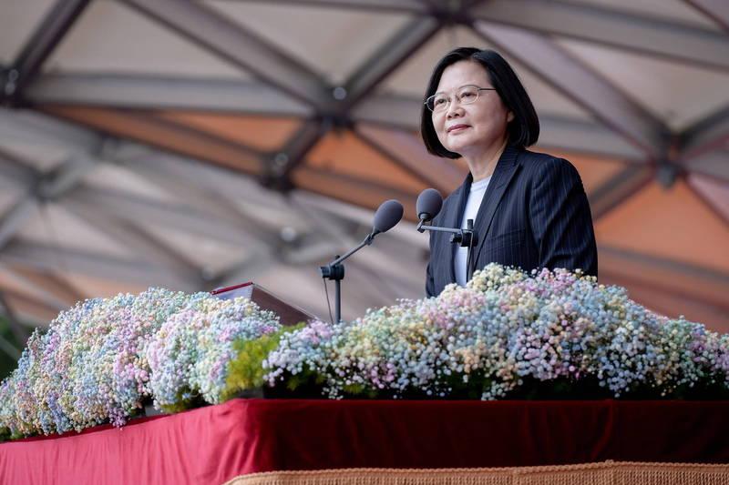 台灣總統蔡英文不對中國低頭,贏得台灣民眾好評。(歐新社檔案照)