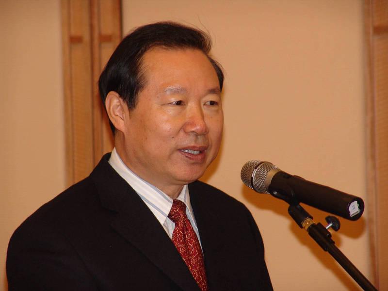 王在希(見圖)認為,中國應用「以戰迫和」的手段占有台灣。(中央社檔案照)