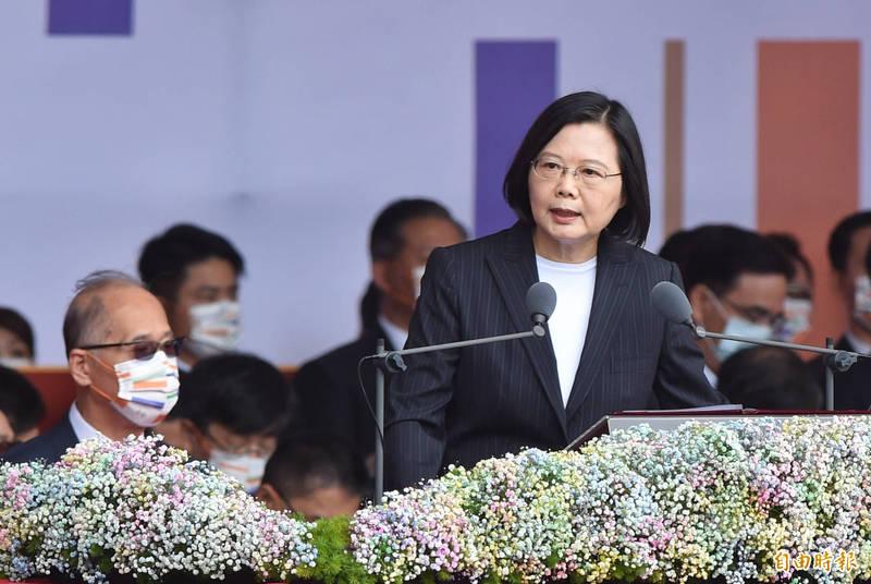 總統蔡英文(見圖)10日在國慶大會發表演說時強調,要以堅實國防維護國家安全。(資料照)