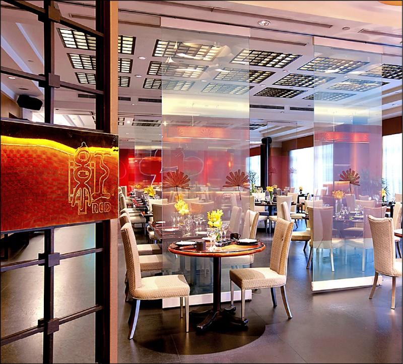 瓏山林台北中和飯店「美食套餐券」,台北旅展限定3.8折、每張1360元整(原價3608元)。(瓏山林台北中和飯店提供)