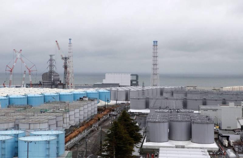 福島核電廠為冷卻核燃料碎片注入的汙水總量已高達123萬噸,現全數被收置於1044座儲罐中。(路透)
