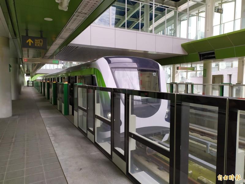 台中捷運綠線即將通車,民眾關心試營運期程長短。(記者唐在馨攝)