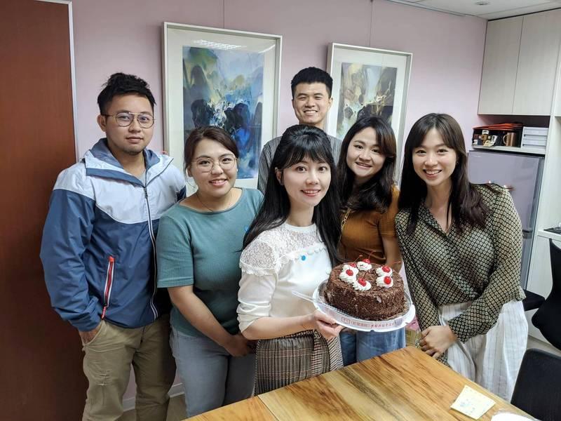 10月17日生日的高嘉瑜,今日在臉書PO文,表示從今天開始,她終於有參選總統的資格了。(擷取自高嘉瑜臉書)