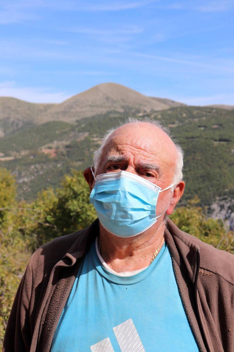 82歲的卡里利(見圖)與74歲的諾比利是諾托斯採鎮唯二居民。(歐新社)