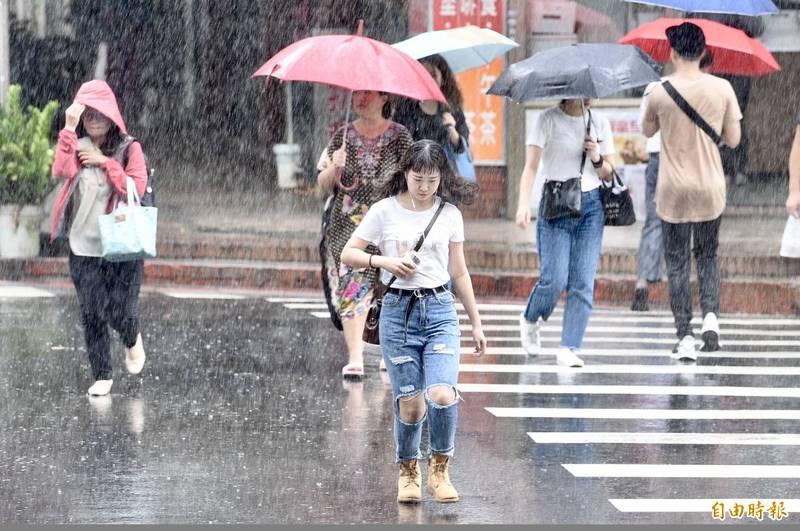 週日北台濕涼! 桃園以北、宜花地區慎防豪大雨